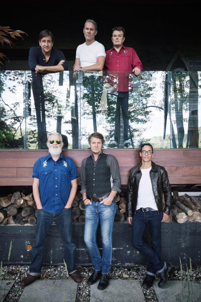 Left to Right (top): Michael Boguski, Colin Cripps, Bazil Donovan Left to Right (bottom): Greg Keelor Jim Cuddy, Glenn Milchem. Photo by Dustin Rabin.