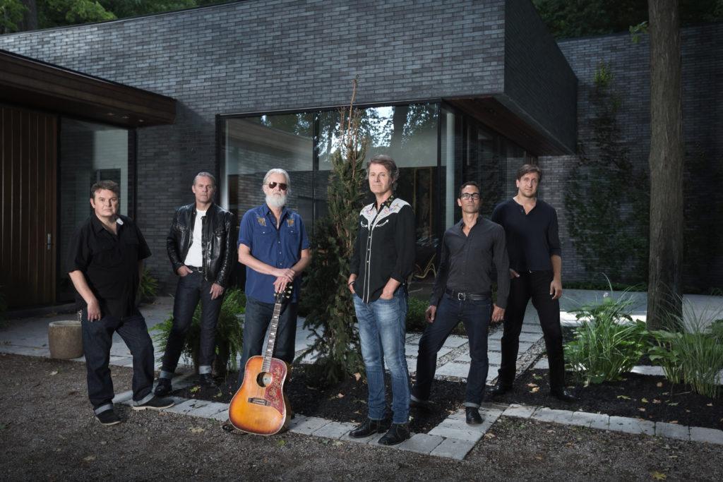 Left to Right: Bazil Donovan, Colin Cripps, Greg Keelor, Jim Cuddy, Glenn Milchem, Michael Boguski. Photo by Dustin Rabin.